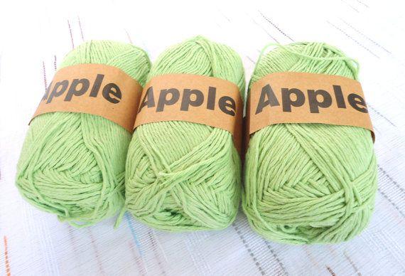 Green Bamboo yarnEach skein: 100 gr knitting yarn by Yarnshopping