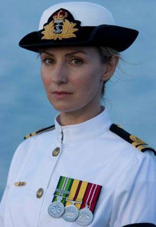 Lisa McCune, le lieutenant de vaisseau Kate McGregor du HMAS Hammersley