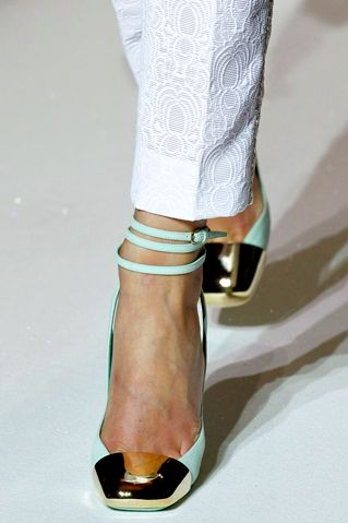 fashionfeude:    Yves Saint Laurent Spring/Summer 2012 Details