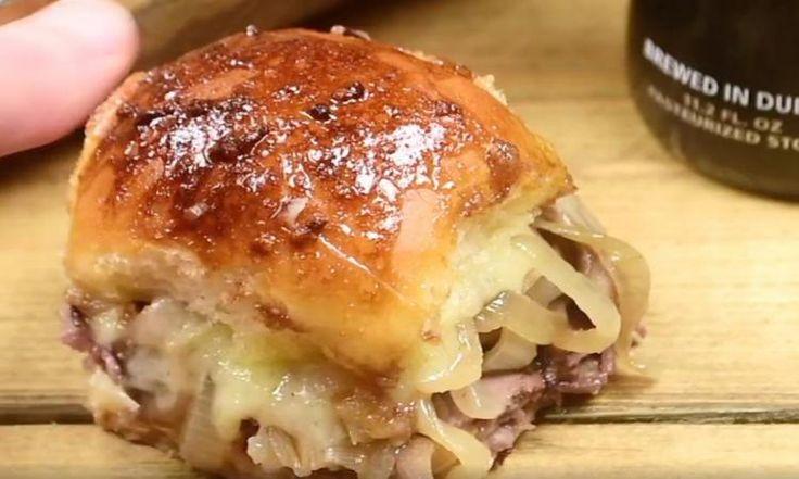 Ce petit burger à la bière, rôti de boeuf, champignon et fromage suisse vous fera baver!
