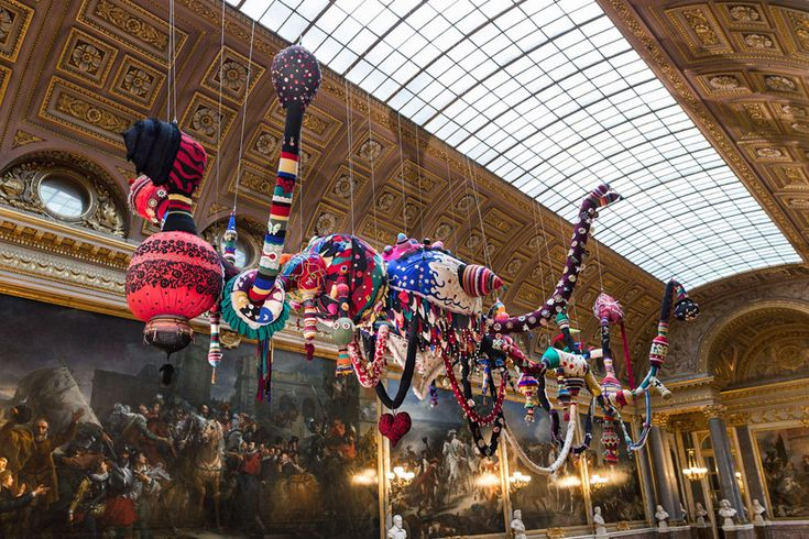 joana vasconcelos at versailles: Modern Art, Contemporary Artists, Palace Of Versailles, Bobbin Lace, Palaces Of Versailles, Art Exhibitions, Joana Vasconcelosversail, Contemporary Sculpture, Joanna Vasconcelo