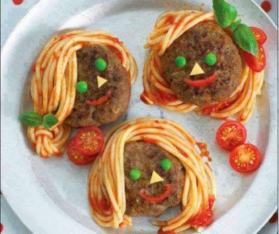 Frikadellenmädchen und -jungen + Spaghetti in Tomatensoße - Küchen-Inspiration