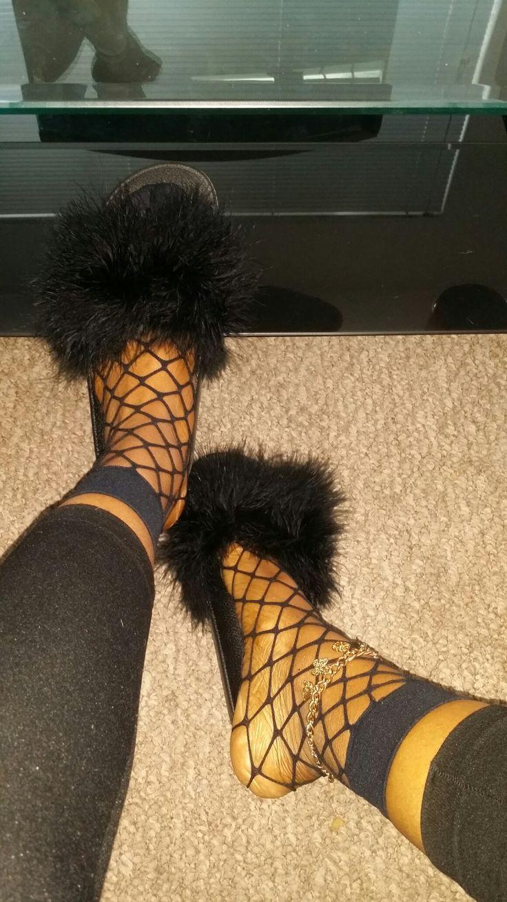 fishnet socks/fur slides