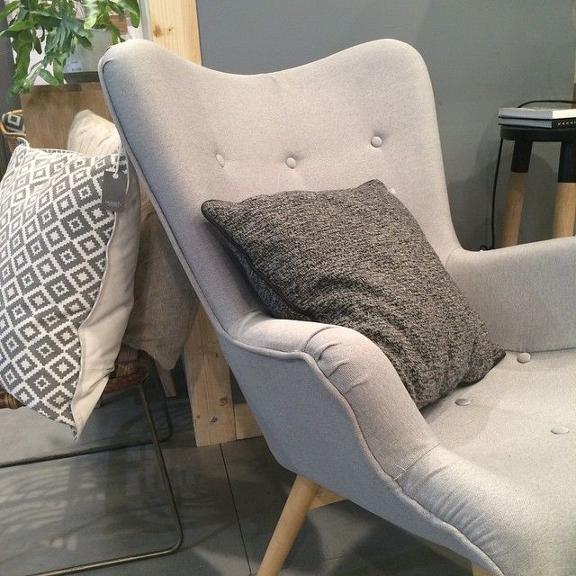 Somewhere I would like to spend my day / je passerai bien ma journée ici @hubschinterior #cocoonspace