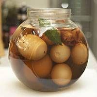 So gelingen Soleier wie direkt aus Omas Küche. Ein altbewährtes und doch fast vergessenes Rezept für Soleier - das schmeckt nach Kindheit!