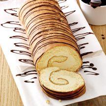 Feine Biskuitrolle mit Zitronenfüllung