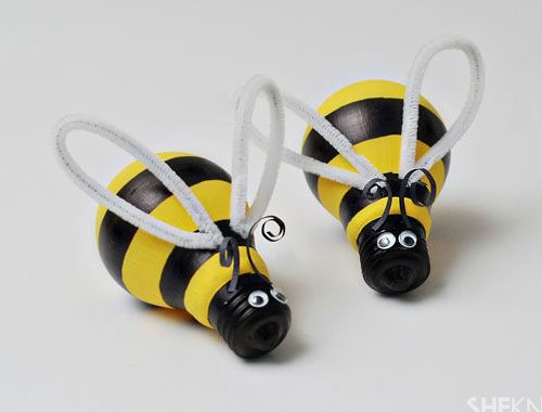 Click pic for 28 Spring Crafts for Kids - Bumblebee Light Bulbs | Spring Craft Ideas for Preschoolers