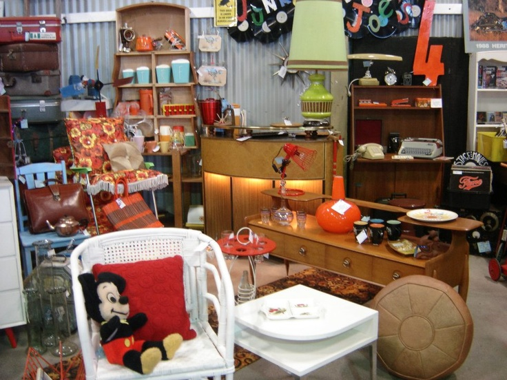 Tucked into a corner of The Vintage Shed we have amazing retro homewares furniture and records. In the Vintage Emporium Retrobabes ihas a specialty retail store with a range of vintage and retro clothing and accessories. Everything is hand selected to ensure it is reminisent of times gone by