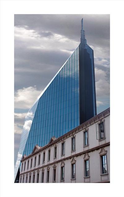 Johannesburg Architecture and Heritage by Patrick de Mervelec - Carmel Building, 2012