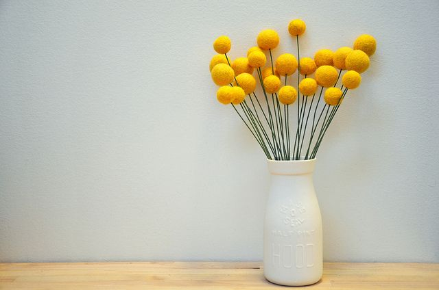 Projects by Me: Felt Ball Flowers (billy balls/craspedia)