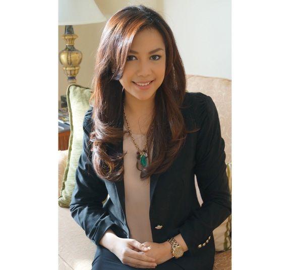 Debby Setiawaty : 16 TAHUN MENCINTAI DUNIA PERHOTELAN | Elle Indonesia