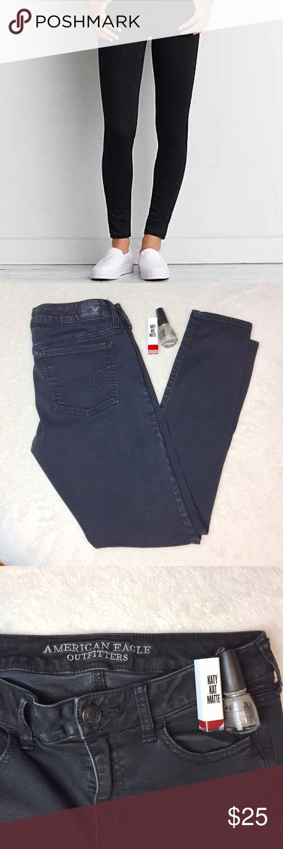 American Eagle Outfitters AEO Stretch Jeggings - 8 These American Eagle jeggings are black and a size 8. They're the super stretch kind of the AEO jeggings. They're just a little tight on me but in good work condition. No obvious flaws. Hope to find a good home! American Eagle Outfitters Pants Leggings