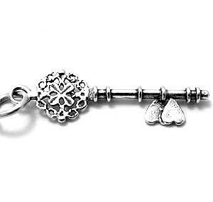 Voor de sleutel naar je huis of hart: sterling zilveren 3D sleutel bedeltje, 28 x 8 x 1,5 mm   7043