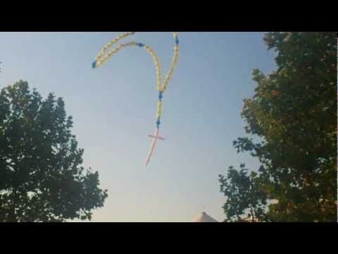 Mladifest Medjugorje 2012 - The Big balloon rosary - YouTube