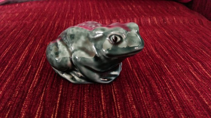 Poole Pottery Blue Frog
