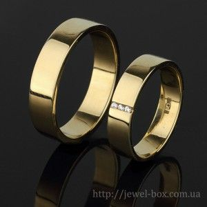 Обручальные классические кольца из желтого золота