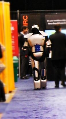 Every conference should have a Roaming Robot!