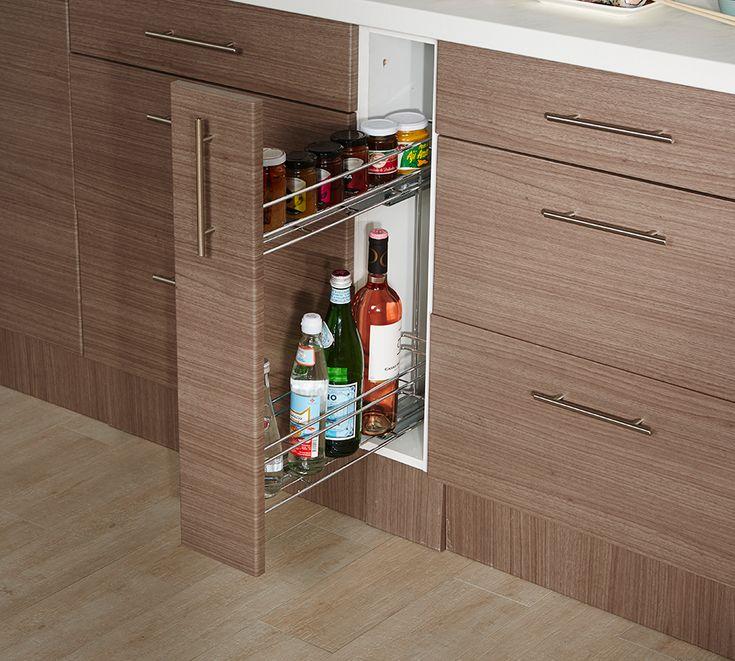 Un lugar para que puedas organizar las botellas en tu cocina. #Sodimac #Homecenter #cocina #muebles
