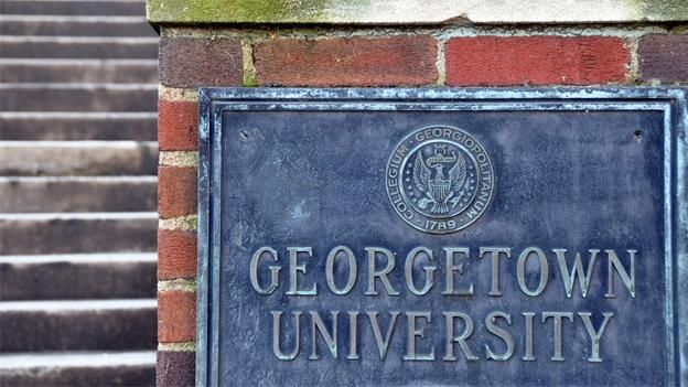 Narro Reading of Students to Receive College Credit for Anti-Trump Event Students at Georgetown University were offered class credit to attend a teach-in on ways to resist hatred and violence post the election of Donald Trump.