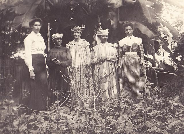 FACES OF THE CARIBBEAN PAST: Jamaican women in the early 1900s. #caribbean #photography