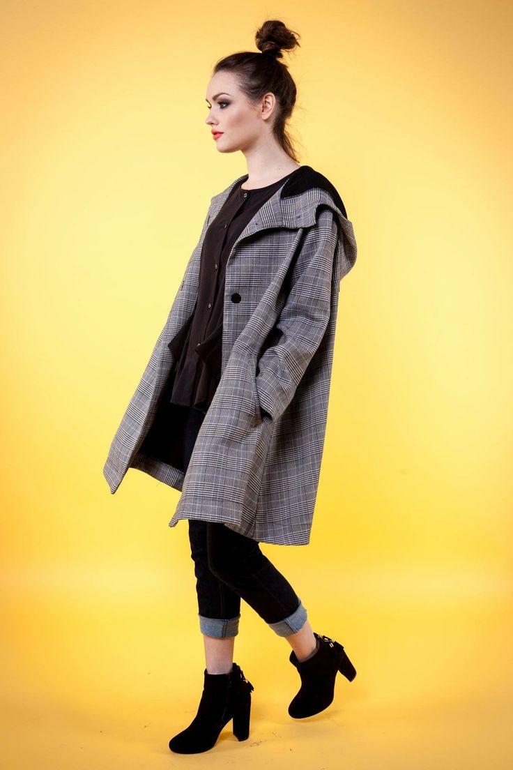 Piękny jesienny paszcz typu oversize.Sprzedaż ONLINE ❤️💣 Bardzo obszerny kaptur chroni przed zimnem <3 #twomoon #love #fashion #płaszcz #polishgirl #fashionblogger #fashionkids #fashionweek #fashionable #polishboy #polishop #skleponline #sklepinternetowy #sëxygïrl #sexydress #sexymodel #sexydance #love #łódź #boobs #fitfood #fitnessmotivation #fitgirl #vintage #visco
