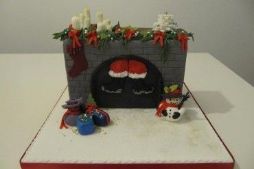 fondant cakes with wood and antlers