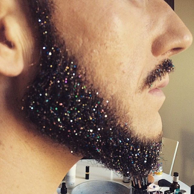 Made a glitter beard for todays photoshoot! #itsfashion #glitterbeard #mua