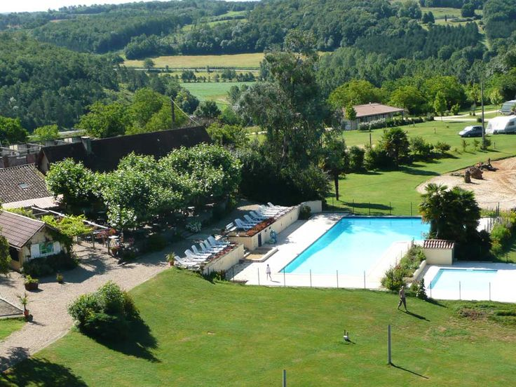 Camping Lestaubiere | Kleinschalige familie camping in de Dordogne, Frankrijk