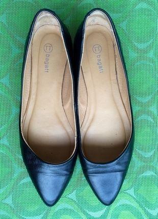 Kaufe meinen Artikel bei #Kleiderkreisel http://www.kleiderkreisel.de/damenschuhe/ballerinas/130505380-ballerina-flach-schwarz-spitz-bagatt-37