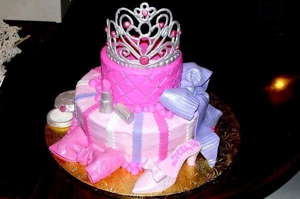Best 25+ Diva birthday cakes ideas on Pinterest Diva ...