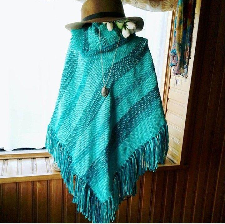 Poncho tejido a Telar