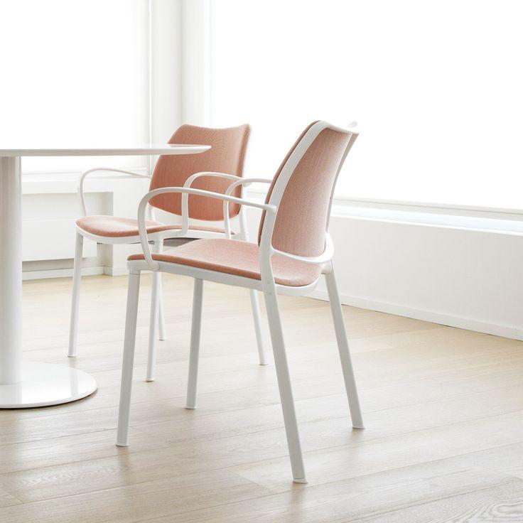 Look the design details of the STUA Gas chair by Jesús Gasca. Simply impecable. www.stua.com/design/gas