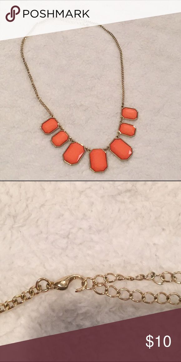 Coral Statement Necklace Clasp is slightly broken, but can be easily repaired or replaced :) Jewelry Necklaces