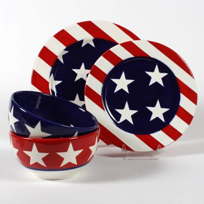 Stars and stripes breakfast set. This would look fantastic on a summer morning, delicious breakfast, dining alfresco, we can all dream!