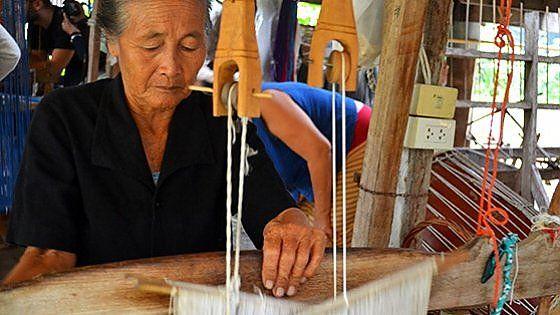 Situata in un paesaggio tropicale lussureggiante, la Thailandia è una terra dove convivono tradizione e modernità. Un modo per conoscere e