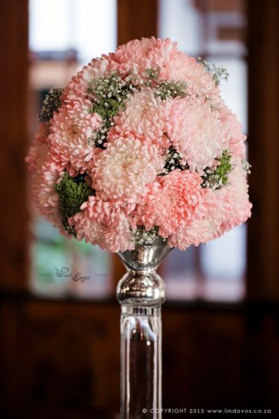 Linda Vos Photography – Guest table flowers at Kleinkaap Boutique Hotel, Centurion. Floral Design & Decor  by www.pinkenergyfloraldesign.co.za