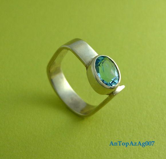 Anel em prata 950 e Topázio azul