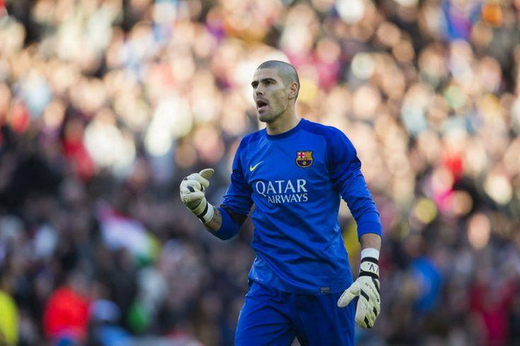 Gesto de rabia de Valdés tras el primer tanto del Barça
