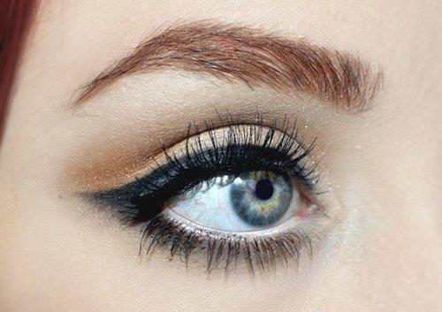Nice makeup: Hair Beautiful, Eye Makeup, Style, Cat Eyes, Eye Shadows, Perfect Eyeliner, Eyeshadows, Eye Liner, Thick Brows