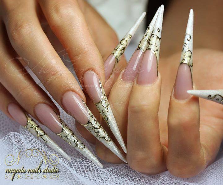 Style baroque, abstrait. Nail art de Nayada Nails Studio