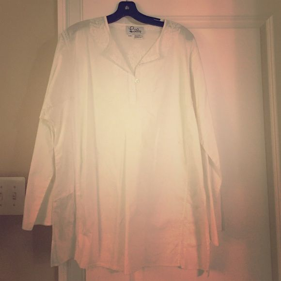 White linen Lily tunic! White lily linen tunic for sale Lilly Pulitzer Tops Tunics