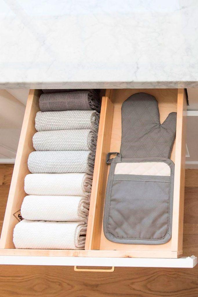 ¿Cómo ordenar y organizar la cocina? | Gourmet Kitchen Organization Pantry, Home Organisation, Diy Kitchen Storage, Diy Storage, Organization Hacks, Kitchen Decor, Organized Kitchen, Storage Ideas, Kitchen Ideas