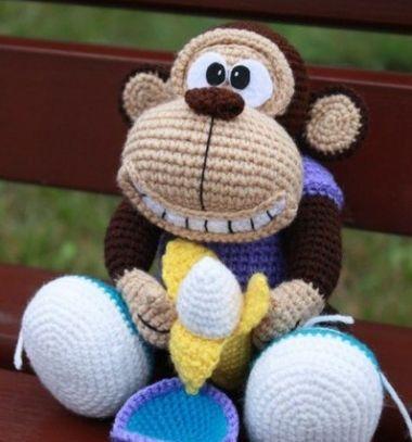Funny crocheted monkey - free amigurumi pattern // Vicces horgolt majom banánnal - ingyenes amigurumi minta // Mindy - craft tutorial collection