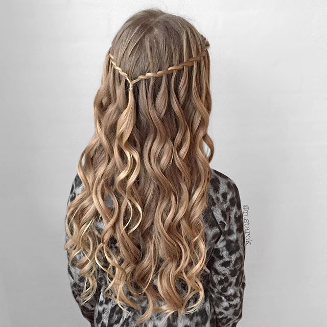 Feather Braid with lots of curls♥️