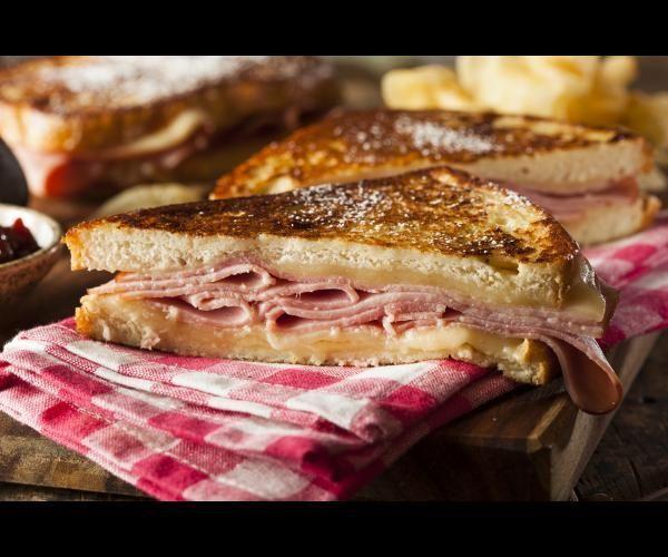 Un croque-monsieur appelé familièrement croque est une sorte de sandwich chaud au pain de mie au jambon et au fromage (le plus souvent de l'emmental) grillé à la poêle au four ou dans un appareil spécialisé. Il serait apparu pour la première fois en 1910 au menu d'un café parisien boulevard des Capucines. L'origine du mot reste néanmoins inconnue même si certains avancent plusieurs théories la plus répandue étant que le bistrotier du café ait lancé sous forme de boutade que la viande à…