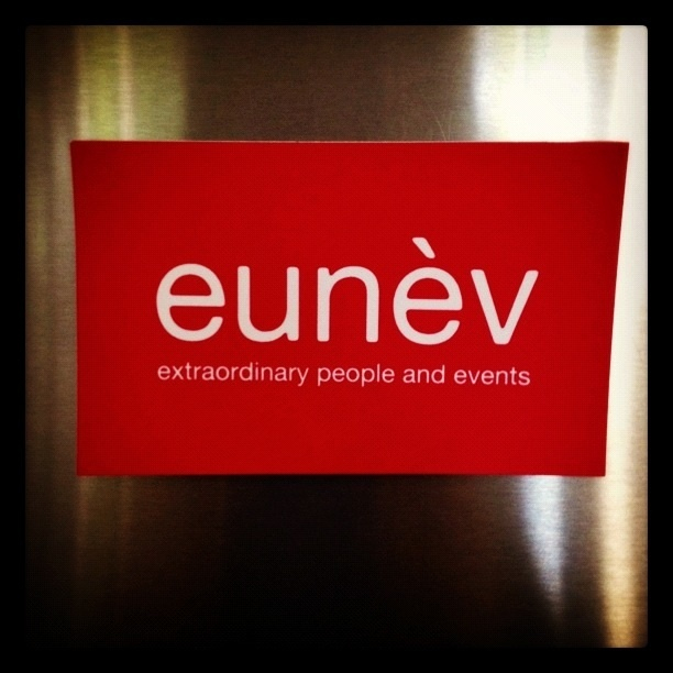 eunèv - is all about extraordinary people and events.