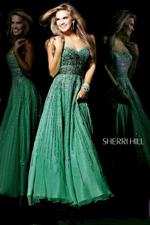 Rochie Sherri Hill 8437 Green. Rochia Sherri Hill ideala pentru a fi frumoasa, eleganta si la moda. Lungime: 136 cm de la subrat pana jos.