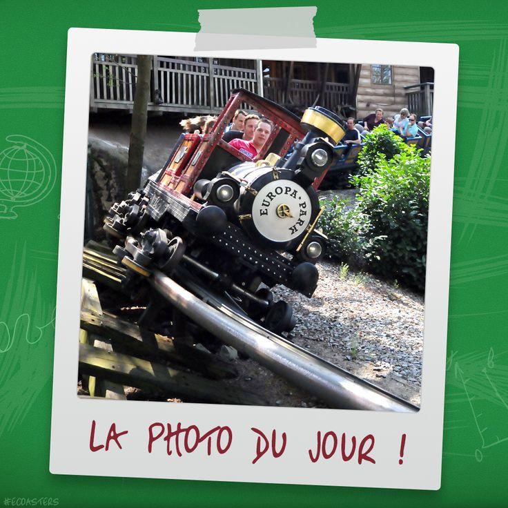 Alpen Express - Europa Park (EU/DE) #Alpenexpress #europapark #mackrides #allemagne #deutschland #germany #rollercoaster #montagnerusse #achterbahn #grand8 #grandhuit #themepark #ecoasters #ecoaster #rollercoasters #amusement #amusementpark #thrill #fun #awesone #freizeitpark #photooftheday #picoftheday #travel #parc #attraction #parcattraction #coastersofinstagram #coaster #ride More on : http://blog.e-coasters.com -- www.e-coasters.com