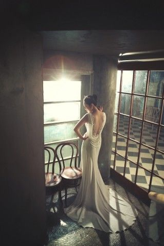 So elegant #KoreanWedding #WeddingPhotography