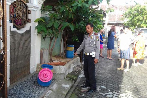 Bayi Laki-laki Ditemukan Dalam Kantong Plastik di Cipondoh